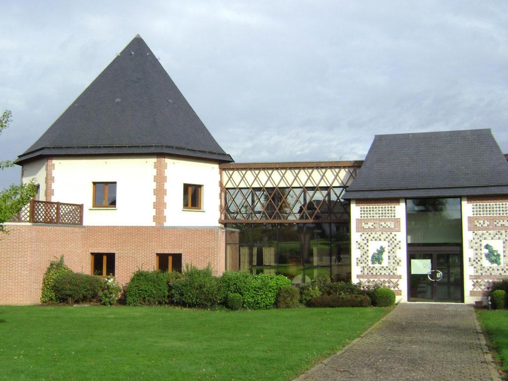 Maison Des Chasseurs Charpentes Traditionnelle - Bureau d'etudes structure bois : Lefebvre Sylvain - Vue Exterieur Tour Gauche